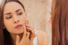 Cómo combatir las imperfecciones con una rutina de cuidado de la piel adecuada